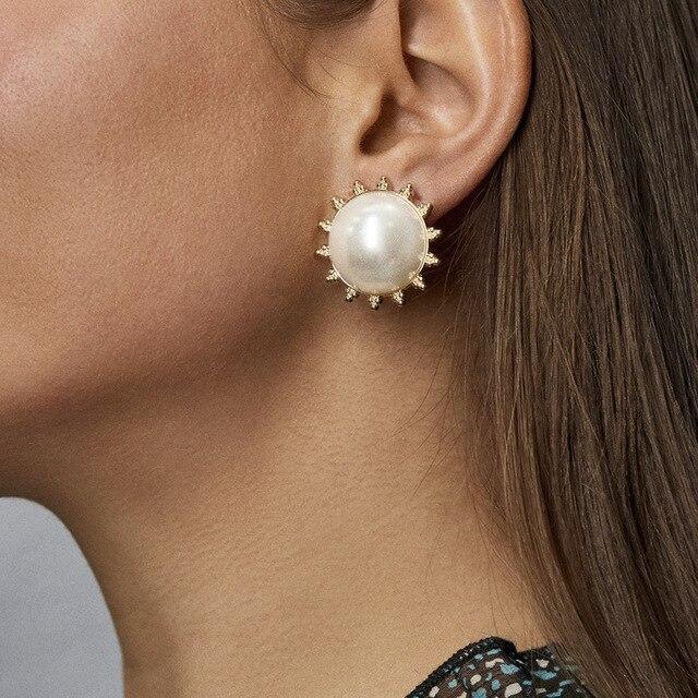 New Boho White Imitation Pearl Round Circle Hoop Earrings Women Gold Color Big Earings Korean Jewelry Brincos Statement Earrings 2