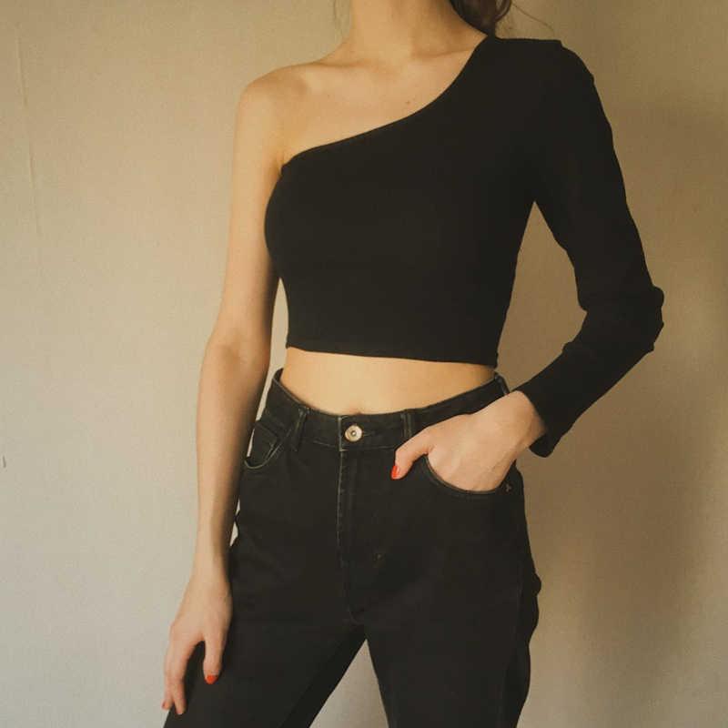 Kapalı omuz seksi kadın örme kırpma üst kadınlar beyaz siyah üstleri Streetwear elastik kısa T shirt örgü kırpılmış kaşkorse Tees