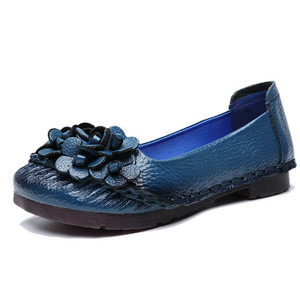 Image 2 - BEYARNE2019 Soft Genuine Leather Flat Shoes Women Flats with Flowers Ladies Shoes Women Designers Loafers Slip OnE865