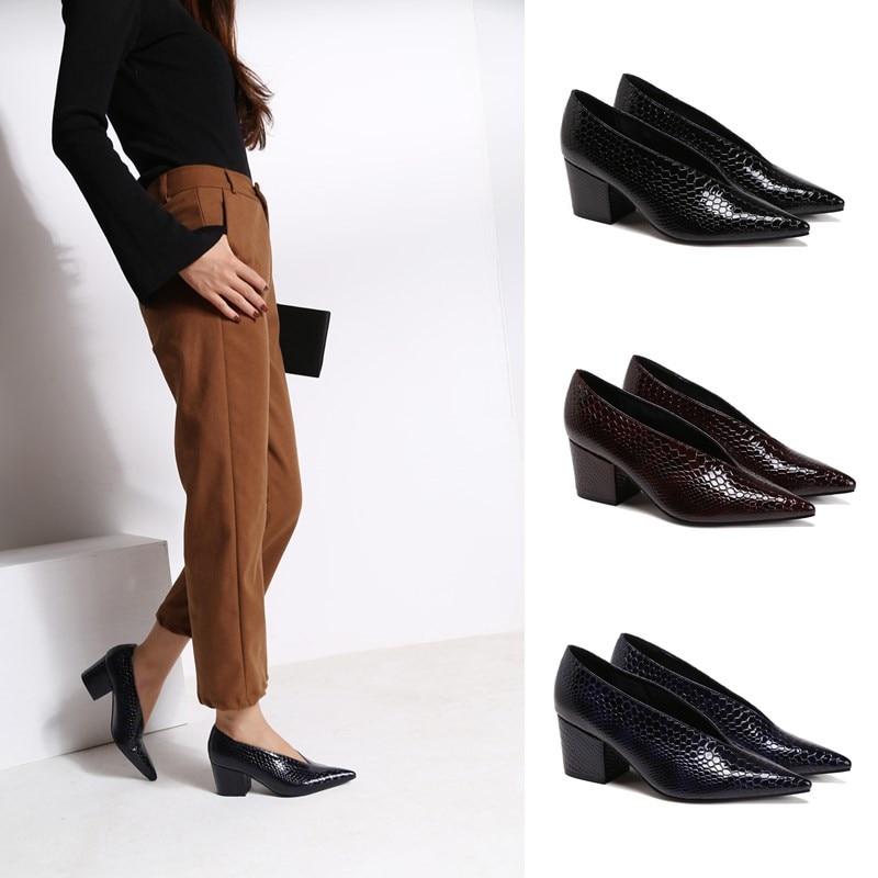 Genuine Leather V Design Square Heel Single Shoes Fashion Grandma Shoes Simple Work Pumps Snake Grain High Heels Womens Shoes