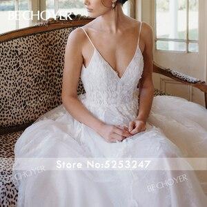 Image 3 - רומנטי אפליקציות חתונת שמלת BECHOYER HE09 אור תחרה 3D פרחי אונליין גב פתוח בית משפט רכבת הכלה שמלת Vestido דה Noiva