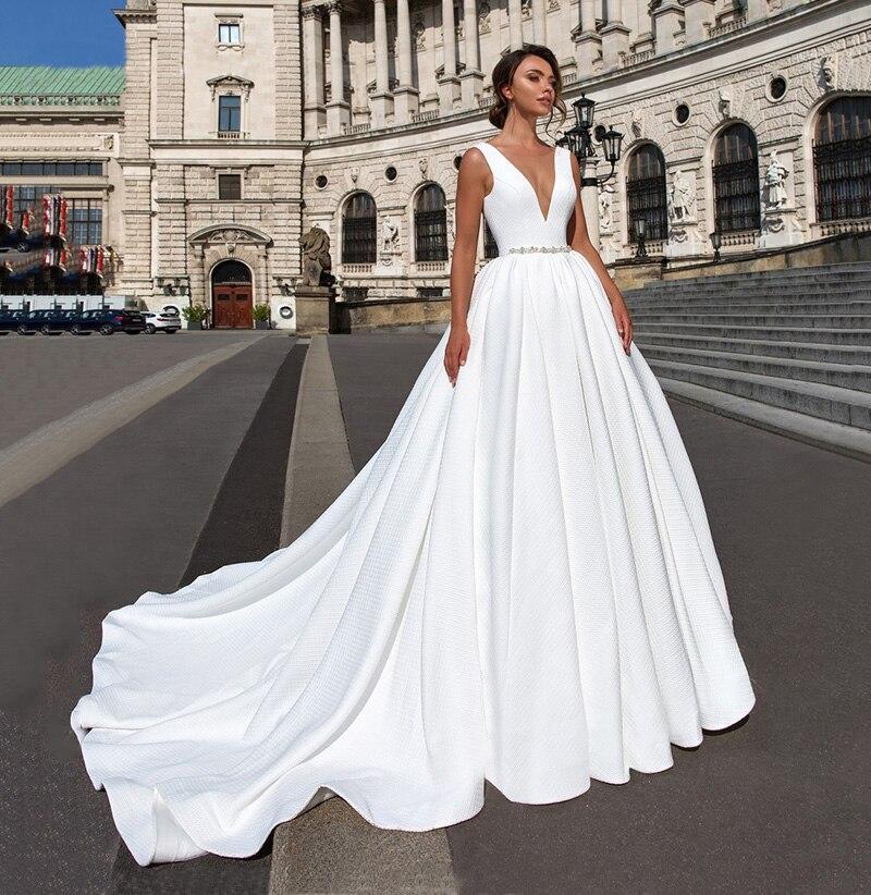 Satin Ball Gown Wedding Dress 2019 Beaded V-neck Sleeveless Backless Luxury Princess Bride Gown Vestido de Noiva (1)