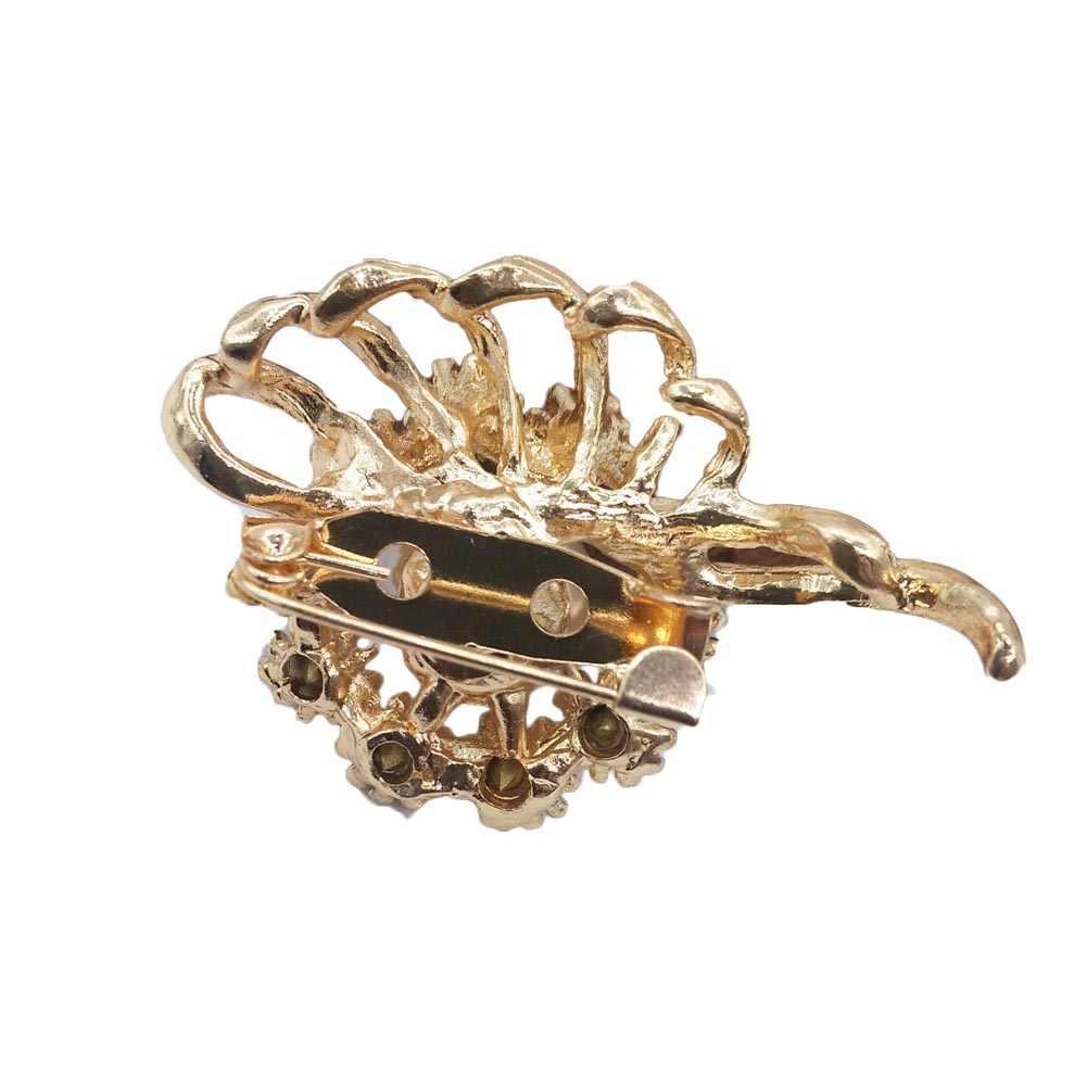 ทองสีจำลองไข่มุกดอกไม้เข็มกลัด Rhinestone ผ้าพันคอหัวเข็มขัด Corsage ประณีต Pins สำหรับผู้หญิง