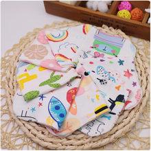 5 / 1pc Small Handkerchief Cartoon Knitted Cotton Small Square Towel Newborn Baby Baby Cotton Towel Gauze Burp Bibs(China)