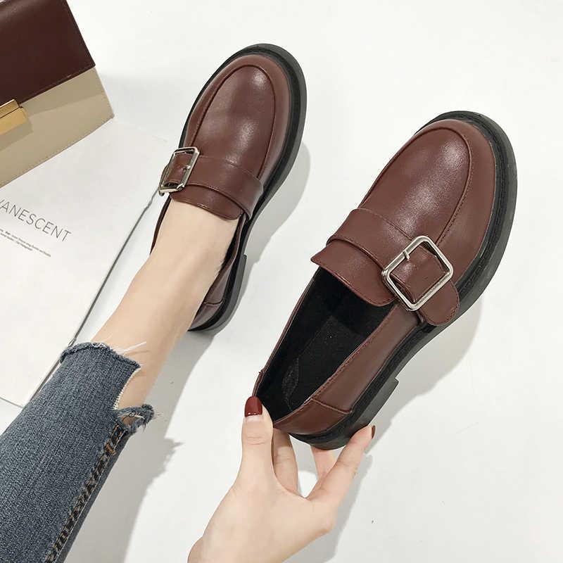 Metal toka Oxfords kadın ayakkabı kadın Flats Patent deri üzerinde kayma kalın alt Platform ayakkabılar kadın artı boyutu bayan ayakkabıları