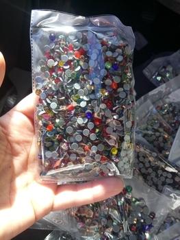 Mieszane kolory SS6 SS10 SS16 SS20 SS30 jakość AAA DMC Flatback kryształy Hot Fix dżetów szkło kryształowe ubranie dżetów tanie i dobre opinie zhanwSP CN (pochodzenie) Luźne dżety strasy Do szybkiego klejenia ROUND DO ODZIEŻY buty Bags Loose Rhinestones Hot Fix Rhinestones Iron on Rhinestones