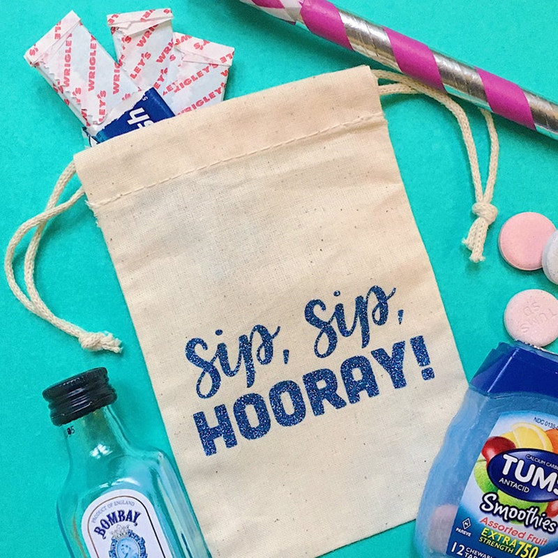 SIP SIP HOORAY Custom Bridal Survival Kit Bags Bachelorette Decor Hen Weekend Gift Bag Bridesmaid Favor Bags Hungovers Kit Bag