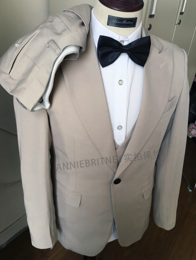 2020 Designers Fashion Men Suit Slim Fit Prom Wedding Suits for Men Groom Tuxedo Jacket Pants Set White Gray Casual Man Blazer 2