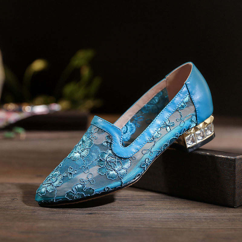 2020 Summer Lace Shoes Women Low Heels Ponited Toes Embroidery Comfortable Casual For мама Work Shoes Ethnic Style  Black Blue