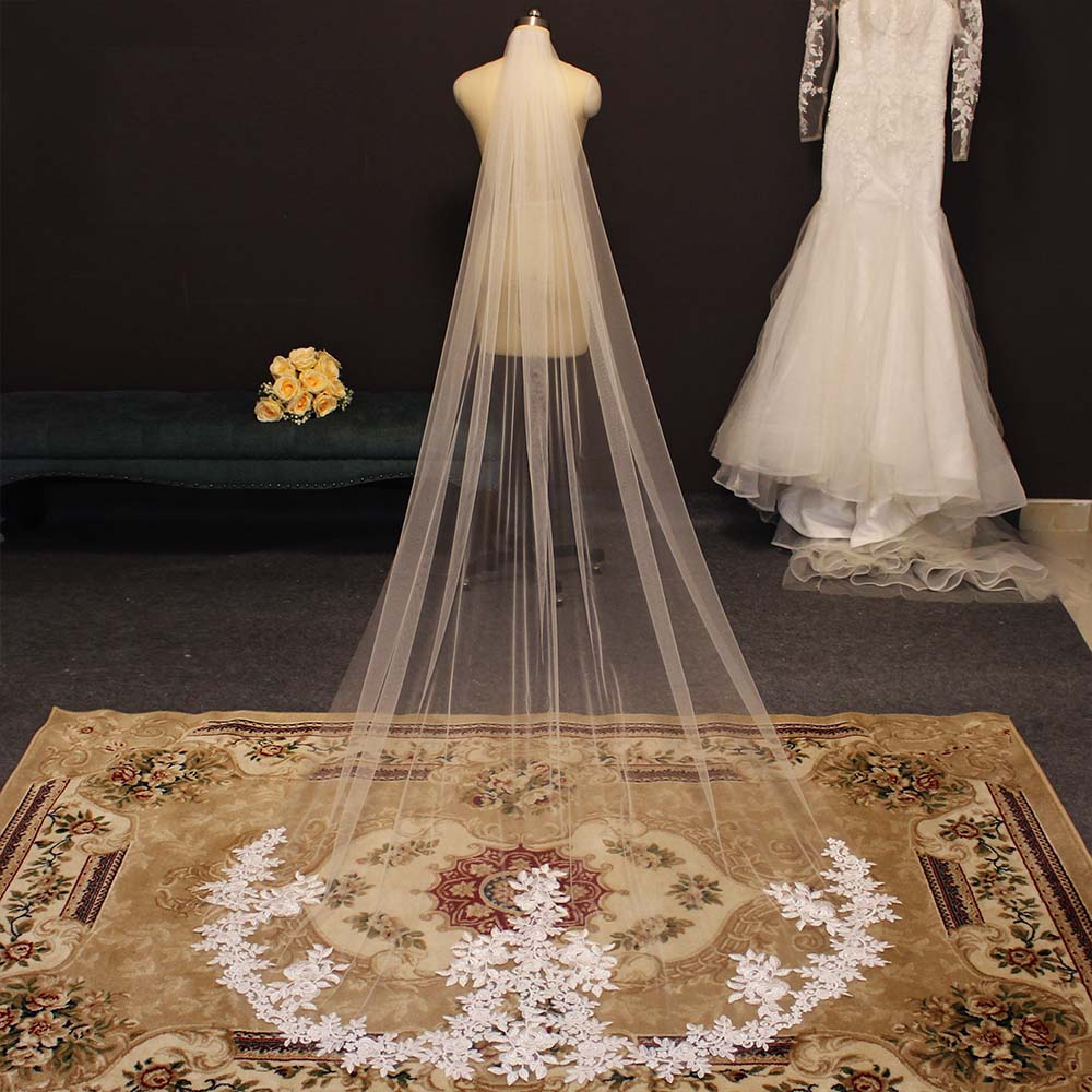 Elegant Lace Appliques Wedding Veil with Comb White Ivory 3 Meters Bridal Veil High Quality One Layer Veil Wedding Accessories