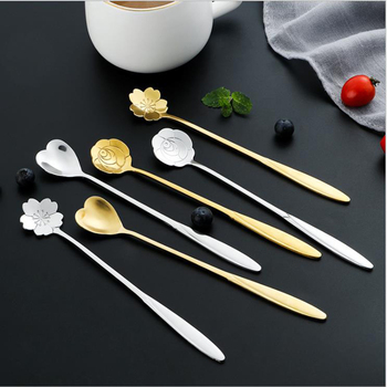 Tea Coffee Mixing Spoon Gold Spoon Long Handle Dessert Stainless Steel Vintage Teaspoons Drink Tableware Flowers Design 1PCS