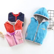 Ребенок мальчики девочки без рукавов письмо теплое пальто с капюшоном одежда жилет осень зима Детская одежда детская одежда