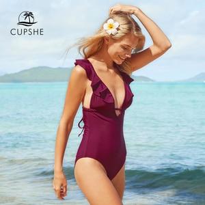 Image 3 - CUPSHE Burgund Herz Angriff Falbala einteiliges Badeanzug Frauen Rüschen V ausschnitt Monokini 2020 Neue Mädchen Strand Badeanzug Bademode