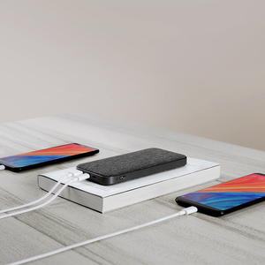 Image 3 - ZMI 10000mAh Power Bank QC3.0 PD Type C PD Two Way Quick Charge 18W External Battery charging For Mi 9 iPhone Mobile Phones