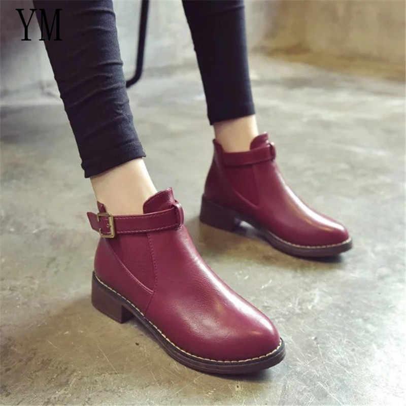 Moda Çizmeler Kalın Topuk Pompaları İngiltere Martin Çizmeler Yuvarlak Ayak kadın ayakkabısı Toka sapatos mulheres conforto