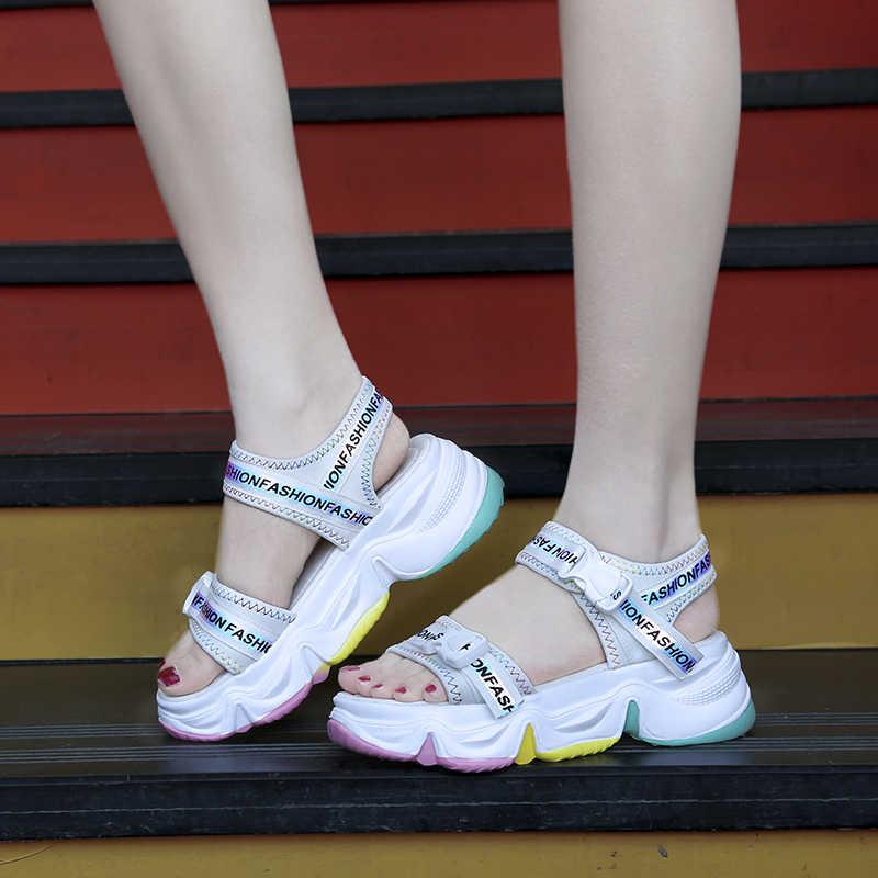 ה-MBR כוח חדש קיץ נשים של סנדלי ברק של עבה תחתון לבן נעליים גבוהה עקבים פלטפורמת מגמת נשים סנדלי חם חוף סנדלי