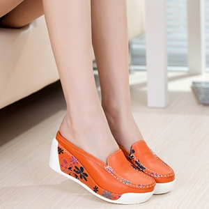 Image 5 - Beyarne本物のレザーシューズレディーカジュアルホワイトウェッジファッション女性の靴通気性の単一のナース厚底プラットフォーム