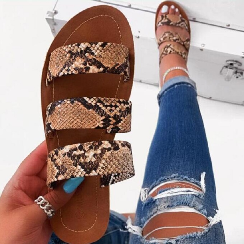 2019 Women Fashion Wild Beach Shoes Snake Totem Three-layer Non-slip Outdoor Slippers Sandals Flat Bottom Ladies Slippers BK033