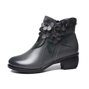 Image 4 - 2020 botas de inverno botas femininas vintage couro genuíno sapatos de salto baixo sapatos de dedo do pé redondo moda senhoras tornozelo botas para mulher