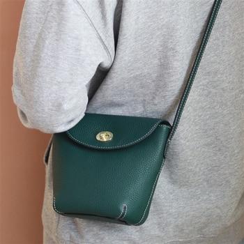 Leather bag female 2020 new fashion bucket bag female retro small shoulder bag shoulder bag simple wild messenger bag