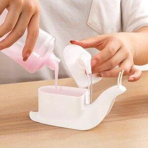 Image 3 - Hoomin Slak Vorm Zeepdispenser Draagbare Drukken Soort Handdesinfecterend Douchegel Container Fles Badkamer Accessoires