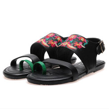 Новые вышитые женские туфли 2020 весной и летом кожаные сандалии дамы открытым носком роман Черный