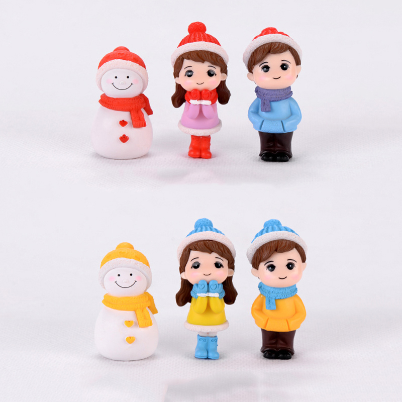 Winter Dress Lovers Snowman Boy Girl Studendt People Doll Toy Model Statue Figurine Ornament Miniatures Home DIY Decor 1 Pc