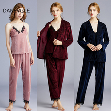Ladies autumn and winter gold velvet pajamas three-piece high-quality sling three-color optional charm home service