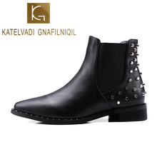 KATELVADI New Arrival Fashion Women Ankle Boots Autumn Winter Short Plush Inside War Classic Snow Boots With Rivets Back K-542 все цены