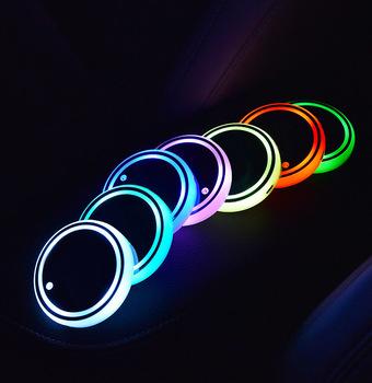 2 sztuk 7 kolory samochodów kubek LED uchwyt światła maty samochodowe podstawki butelki nastrojowe oświetlenie konstelacji podświetlenie kubek LED maty do uchwytów na kubki tanie i dobre opinie CN (pochodzenie) Uchwyty na napoje 0 1kg Car LED lights 6 8cm LED Cup Holder 2inch Acrylic 7 Colors Adjustable you can customized your logo