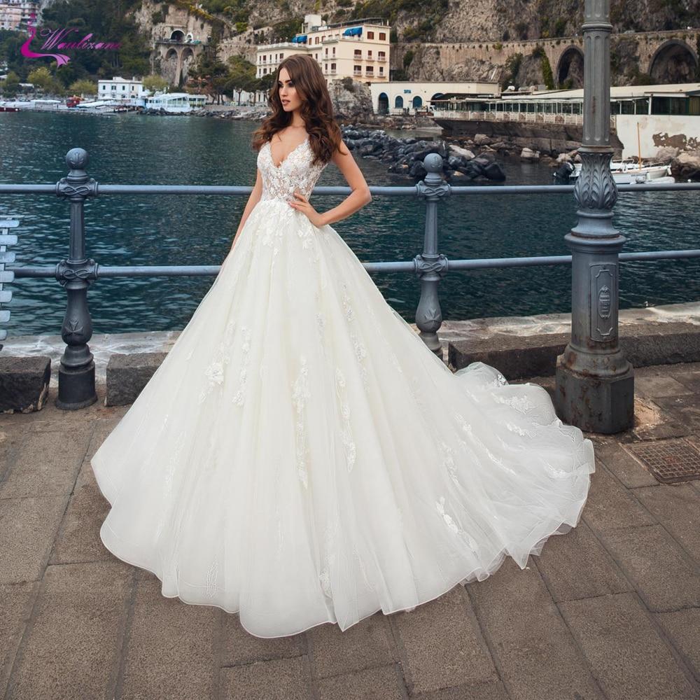 Waulizane ヴィンテージ絶妙な A ラインのウェディングドレスのプリンセス V ネックチャペルの列車の花嫁ドレス  グループ上の ウェディング & イベント からの ウェディングドレス の中 1