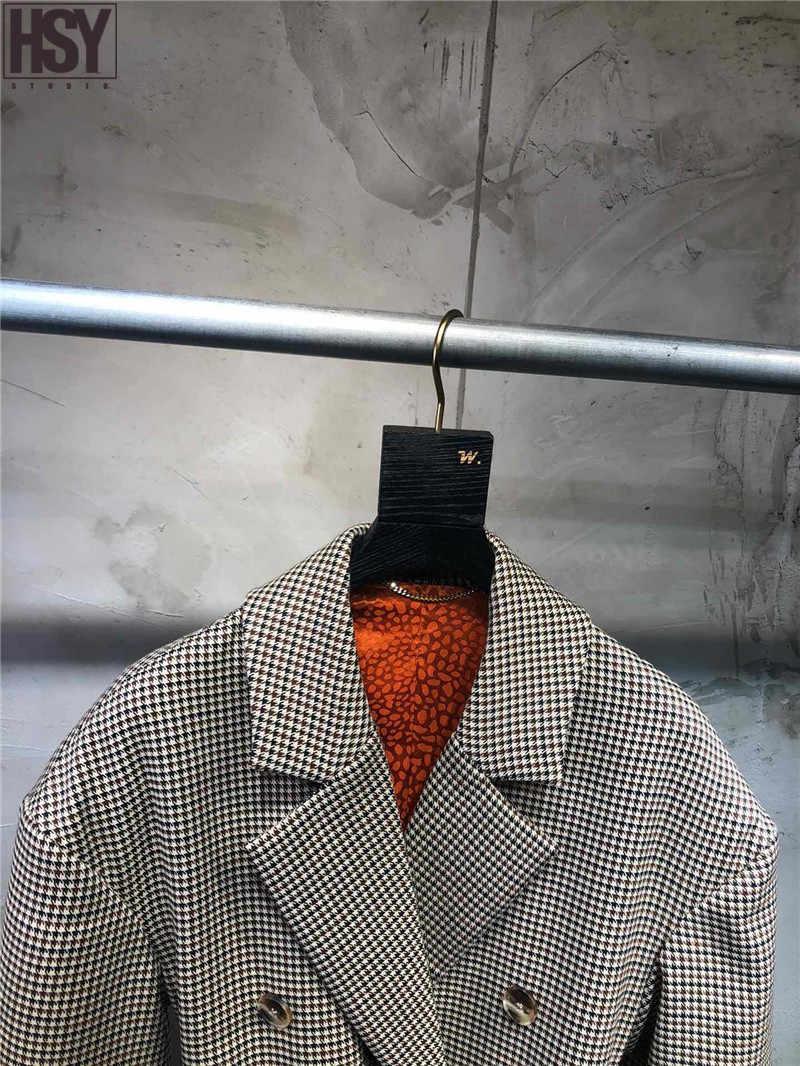 【HSY】2019 סתיו חדש נשים חליפת מעיל מתכת אבזם חגורת עור מלאכותי דפוס משבצות רכיסה כפולה דש בלייזר