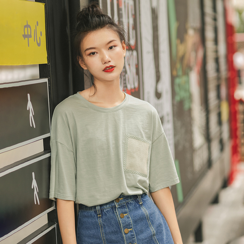 INMAN Short Sleeve T-Shirt 2020 Spring New Arrival Artsy Round Collar Unique Pocket Loose Shape Women Comfortable T-Shirt