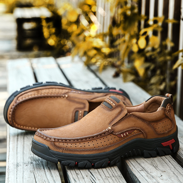 New Genuine Leather Loafers Moccasin Sneakers Flat High Quality Causal Men Shoes 2
