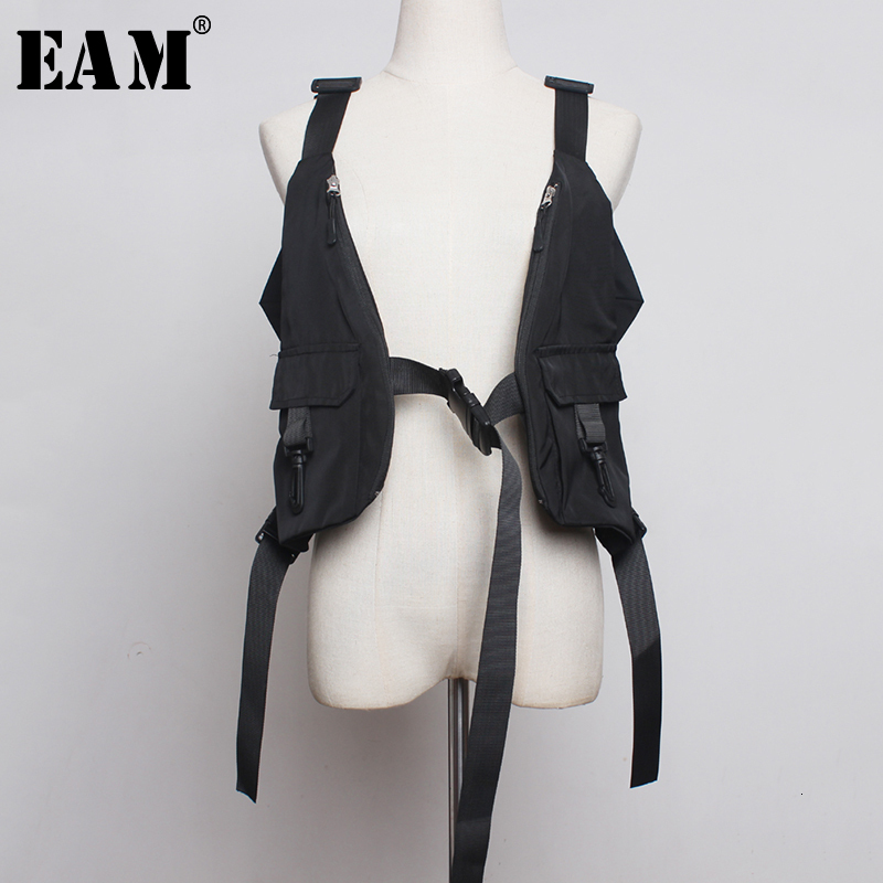 [EAM] Women Black Big Pocket Split Jint Ribbon Loose Fit Vest New V-collar Sleeveless   Fashion Tide Spring Autumn 2020 1B943