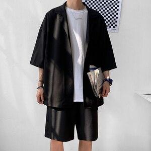 Image 1 - Style coréen hommes ensemble costume veste et Shorts solide mince à manches courtes poche unique genou longueur été surdimensionné vêtements homme