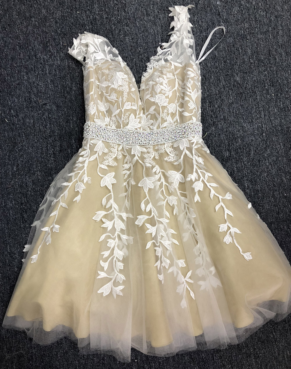Real Picture Short Prom Dress Lace Appliques V Neck Beaded Tulle Champagne Homecoming Party Gowns 2019 Formal Dress A Line