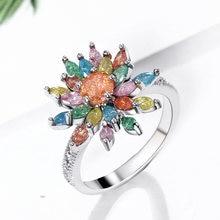 Женское кольцо на палец с разноцветными кристаллами весеннее