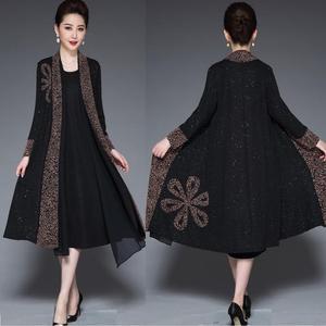 Image 1 - Inverno elegante mãe ocasional vestido longo retro impresso dois pçs vestido de meia idade feminino temperamento vestido de festa plus size L 4XL
