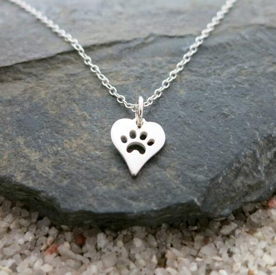 Dog Paw Print Heart Necklace for Women Spring Style Animal Pet Puppy Palm Paw Mark Print Necklace Party Gifts