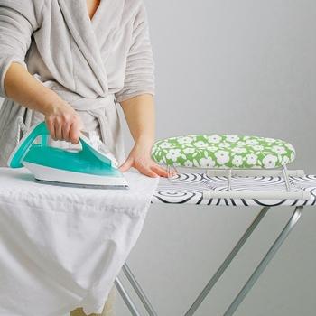 Nowa Mini deska do prasowania Home Travel przenośna podkładka do prasowania rękaw mankiety na stół Mini ze składanymi nogami przenośne małe żelazne stojaki na stół tanie i dobre opinie CN (pochodzenie) Other Z tworzywa sztucznego Ironing sleeve board Neatening przechowywania Ironing Board Green flower Plastic+Cotton