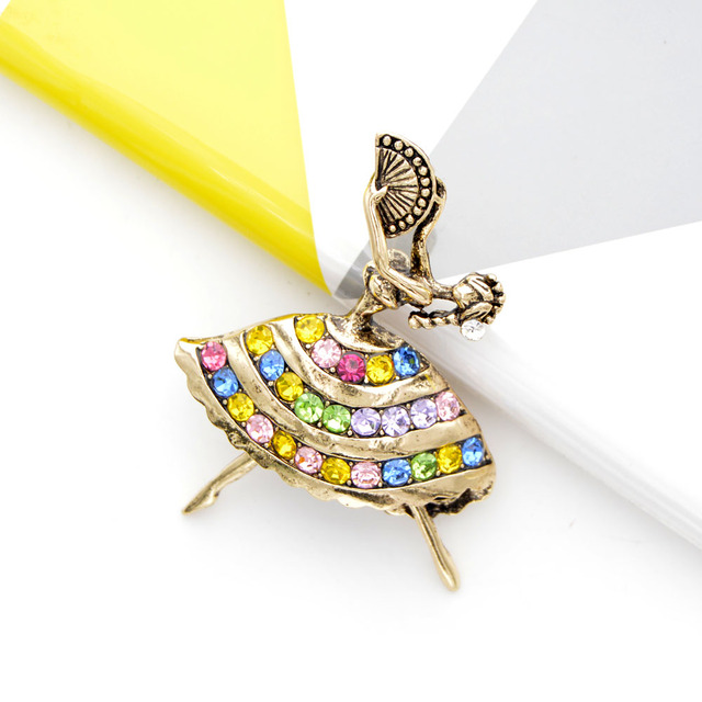 CINDY XIANG 2 Colors Avaible Big Breast Dancing Whore Brooch Rhinestone Human Style Pin Vintage Brooches High Quality Gift