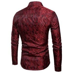 Image 2 - משי סאטן חולצה גברים 2018 חדש לגמרי חלק טוקסידו חולצת מבריק הסוואה הדפסת חתונה שמלת חולצות מקרית Slim Fit סגול חולצה