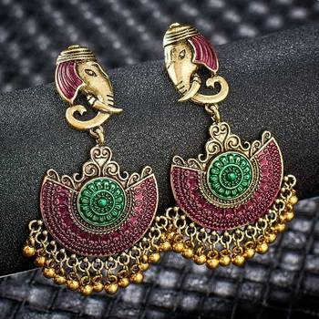Fashion Metal Dangle Earrings Earrings Jewelry Women Jewelry Metal Color: S01129