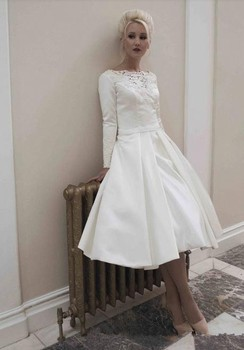 A-line Simple Short cheap Bridal Gown With long Sleeve mid-calf Lace Appliques Custom Prom Party mother of the bride dresses short prom gown 2018 custom sexy women a line v neck beaded lace long sleeve vestidos de formatura mother of the bride dresses