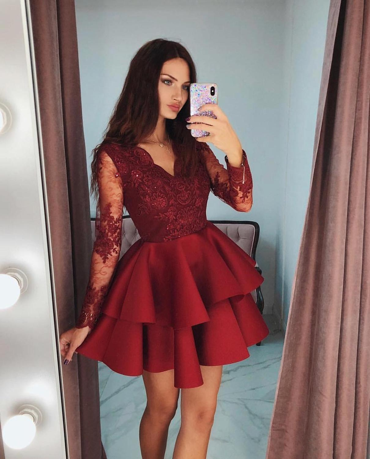 Fashion Celebrity Cocktail Dress Red V-Neck Long Sleeve Homecoming Dresses Stylish Tiered Lace Applique Short Prom Dress