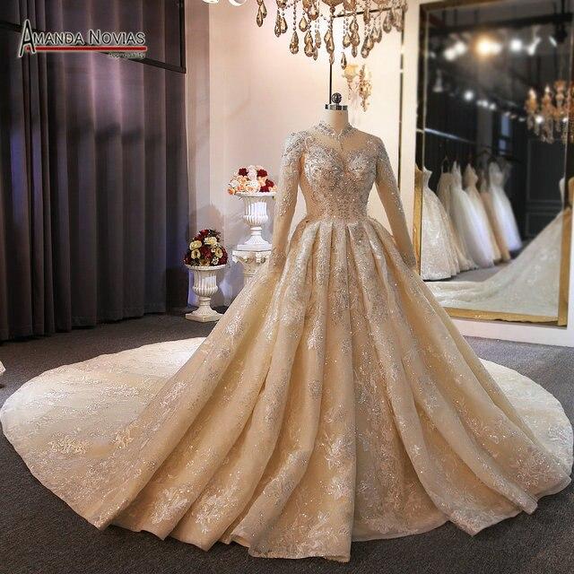 Collo alto completa bordare abito da sposa con il treno lungo ordine del cliente da amanda novias