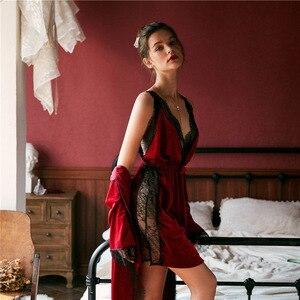 Image 2 - Lisacmvpnel jesienno zimowa nowe złote aksamitne damska suknia zestaw zagęścić Blackless modny pasek Pijama