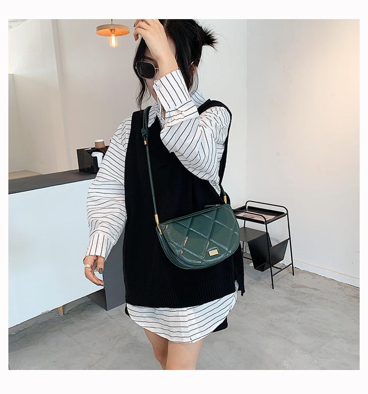 Женская винтажная сумка через плечо в клетку на подмышках из