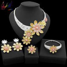 Yulaili 2019 New Dubai Gold Jewelry Sets Women Fashion Tricolor Flower Design Necklace Earrings Romantic Party Wedding Jewellery